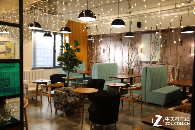 服务产业助力转型 ZOL首家线下体验店盛大开启
