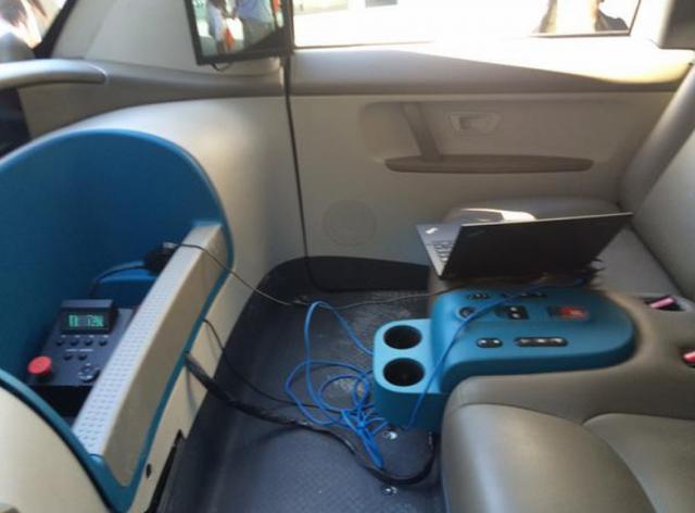 招内饰工程师 谷歌无人驾驶汽车要变美高清图片