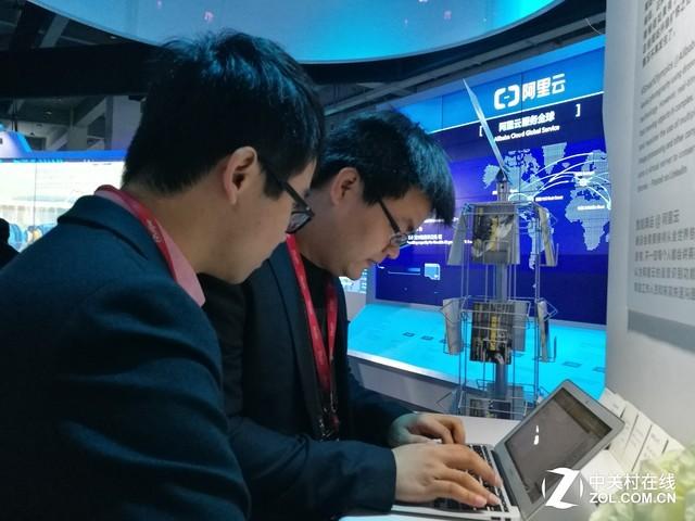 2017云栖大会:如何攻克万人Wi-Fi难题?