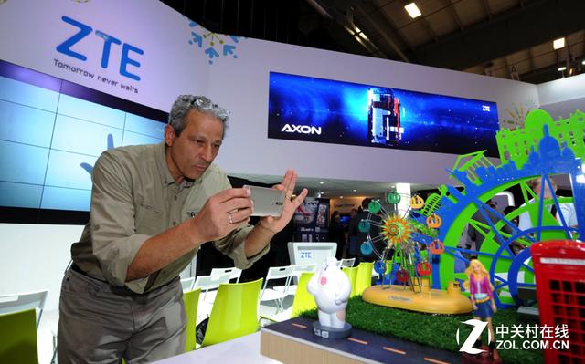 中兴发布AXON天机国际版 剑指全球市场