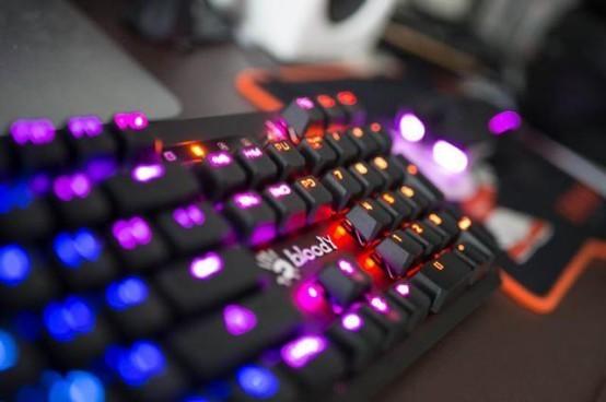 速度与激情,血手光轴复活者B975键盘