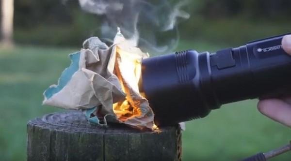 电筒可以生火兼煮食