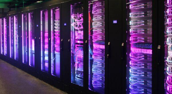 企业数据中心怎么建?水里地上各有道