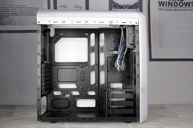 仿生设计强兼容 至睿蜂巢GX60机箱解读