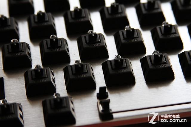 键盘内置钢板的妙用 你以为只是配重?