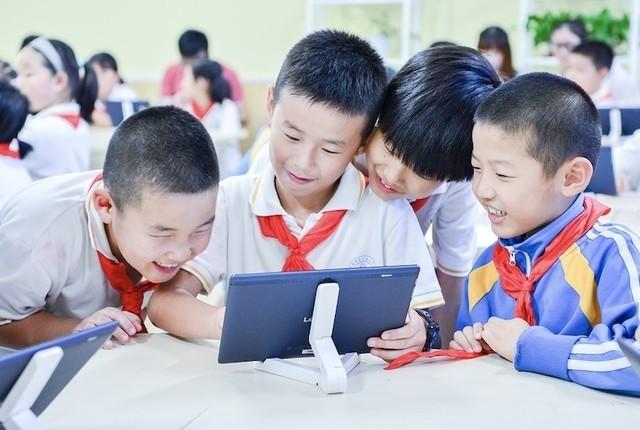 一同创造新可能 联想互动课堂梦想中心