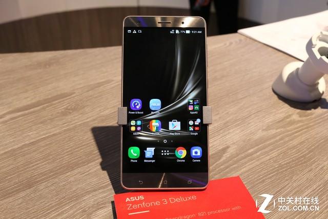 8GB大内存领衔 华硕ZenFone家族闪耀MWC