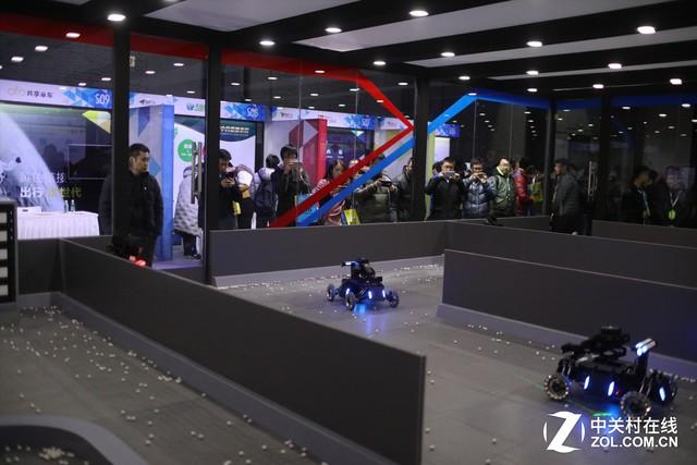 大疆携RoboMasters机甲大师空降北京