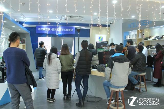 乐目三防手机ZOL体验店首秀 沙狐V1登场