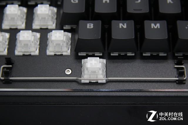 平衡杆/卫星轴 两种机械键盘各具优点