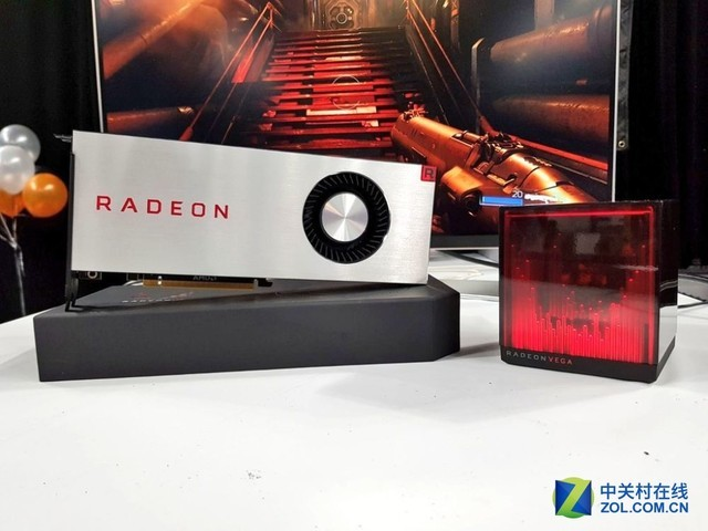 AMD Vega限量版全球首开箱 自带神秘摆件