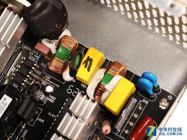 时尚实用设计 鑫麦粒M3 500W电源评测