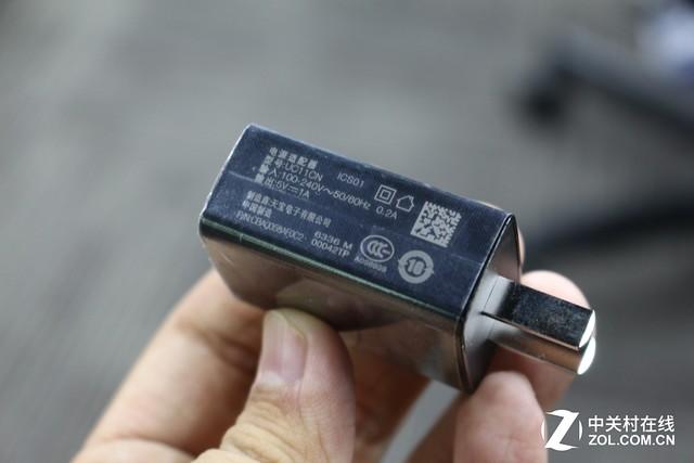 精致双面玻璃/美颜自拍 TCL 520评测