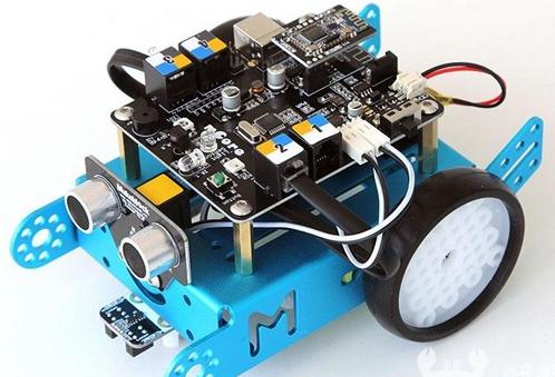教育机器人升温 搭建自己的科技玩具