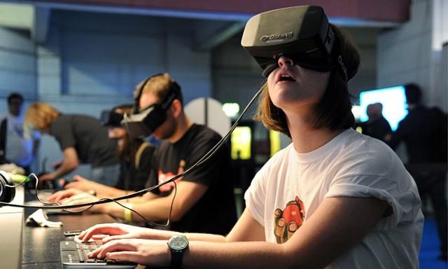 玩VR跳楼游戏出意外 脸着地摔断门牙