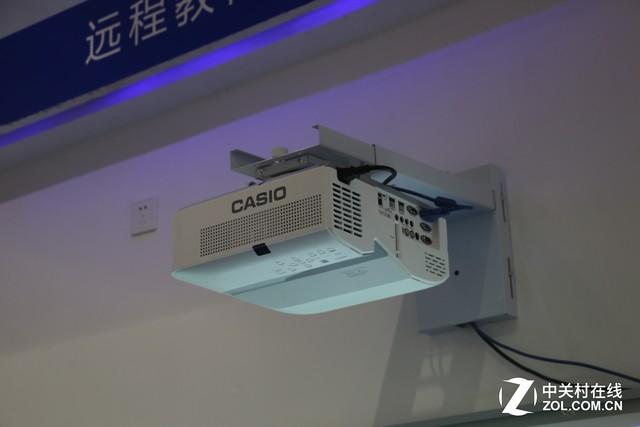 新光源超短焦 卡西欧新品教育投影评测