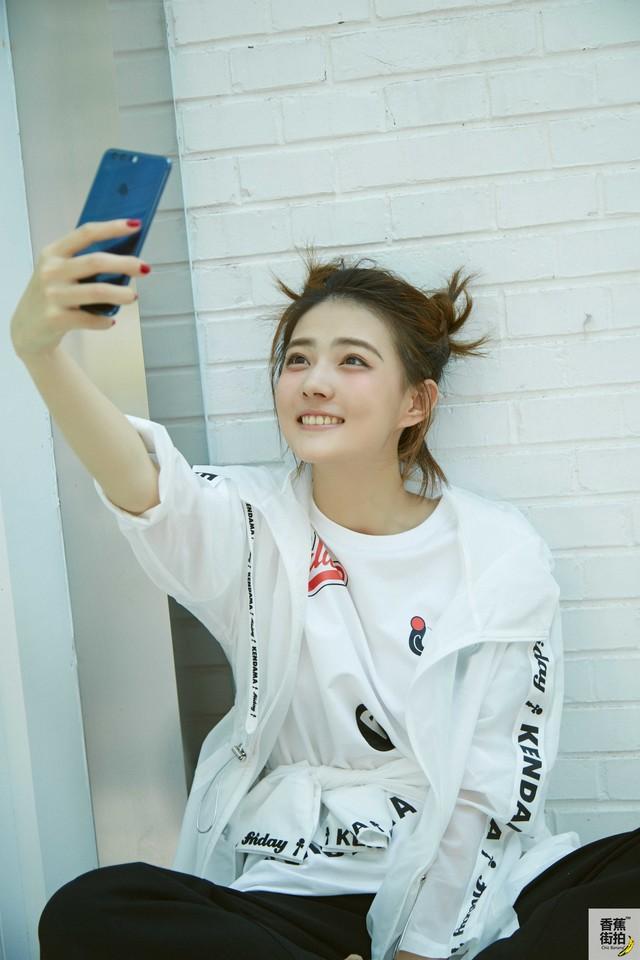 荣耀8顶配版首次降价 引领全明星时尚潮流