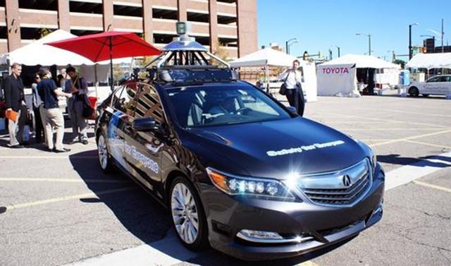 机动车辆管理局共在其官方网站上列出了10家获得无人驾驶许高清图片