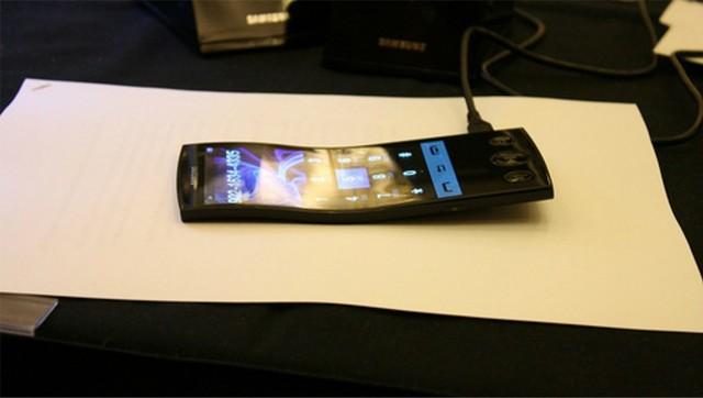 新iPhone看傻眼 原来黑科技在三星手里