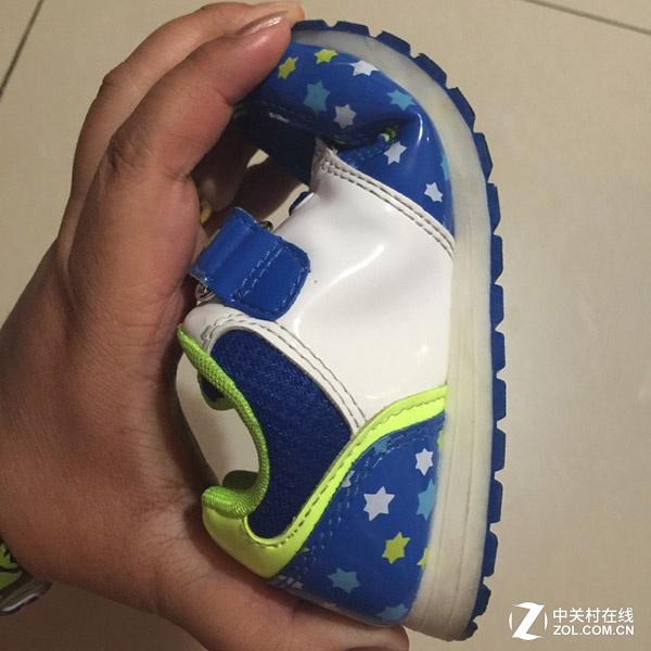 要舒适更要安全 达芙妮QQ物联童鞋体验