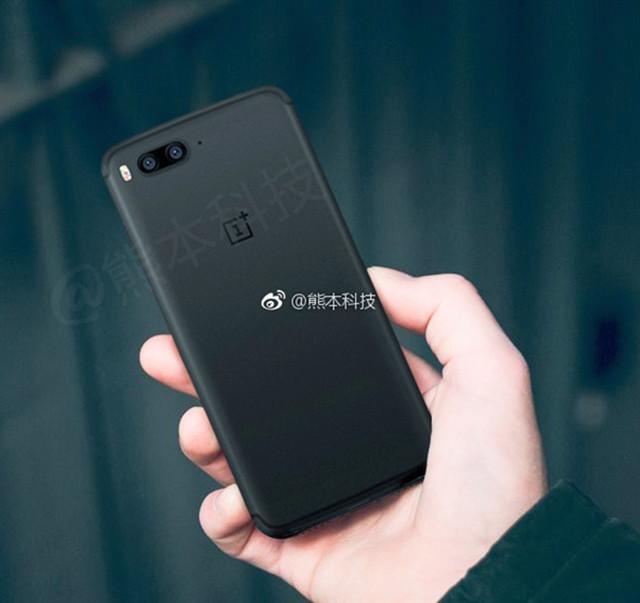 一加手机5上手谍照曝光 取消3.5mm耳机口