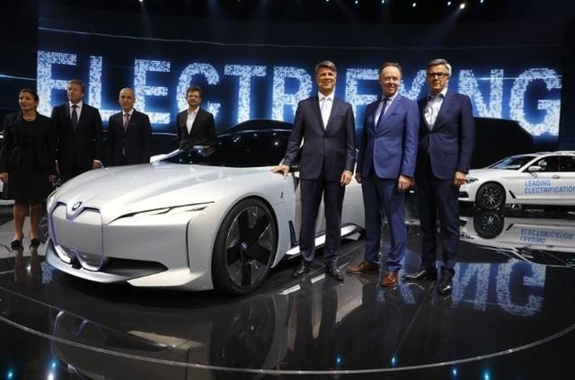 奔驰:电动车利润低 宝马坚持实现既定营收