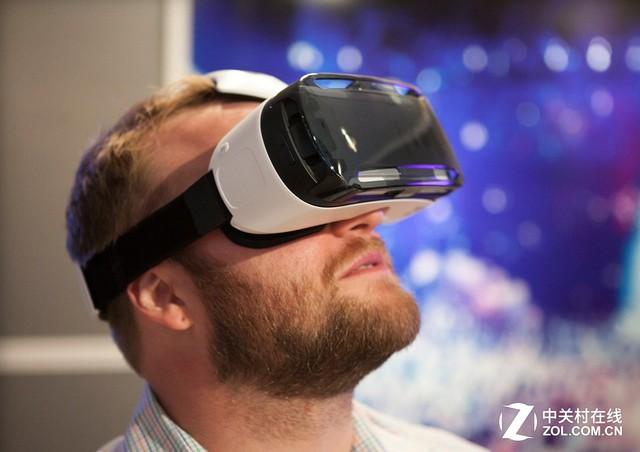 当红炸子鸡 VR头戴设备玩起来有点晕