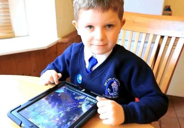 小孩乱玩iPad花6000英镑 苹果竟退款了