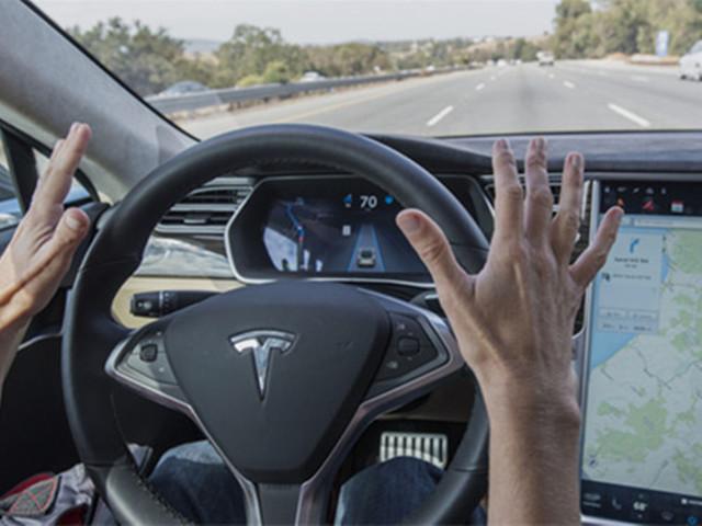 特斯拉研发车载系统新技术:防司机分心