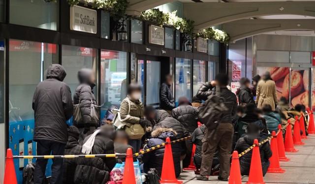 主机新闻 > 正文      网上如此难抢,于是许多日本玩家都选择到实体店
