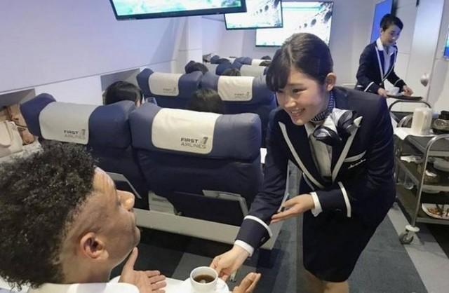 VR旅游日本走红 还有漂亮空姐提供服务