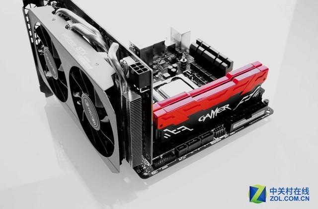 影驰GAMER DDR4 8GB灯光内存热售439元