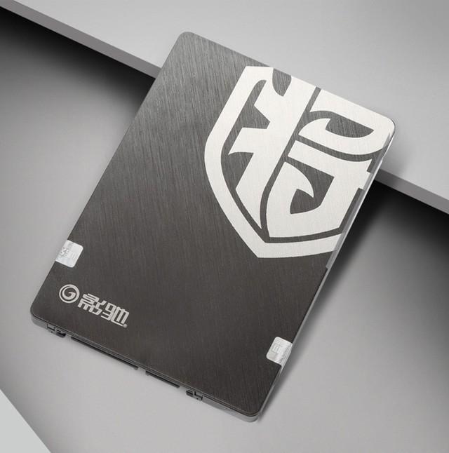 影驰铁甲战将240GB SSD热售599元!