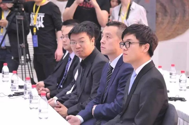 AlphaGo将对阵柯洁 这回棋谱都不学了