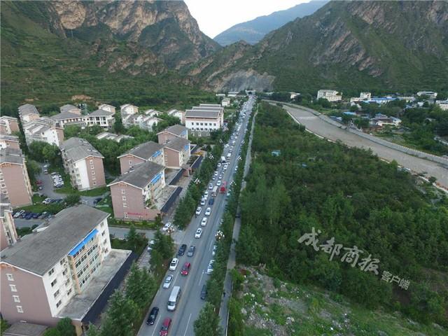 全力救灾 中国联通已开通10010应急热线