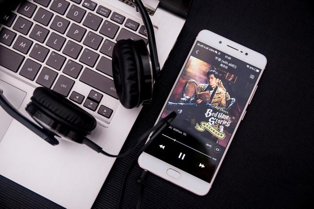 说到自拍和音乐,vivo X7简直无敌