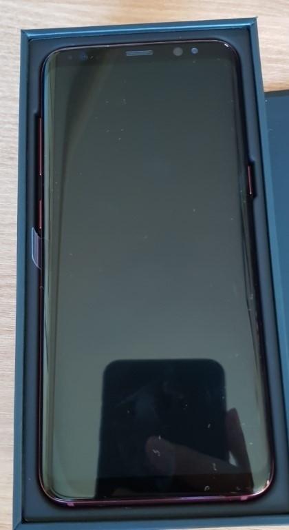 三星Galaxy S8枫叶红真机曝光:国内没有