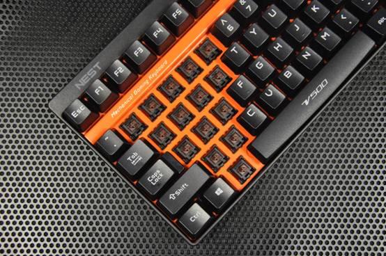 雷柏V500系列游戏键盘已成为雷柏专业游戏V系列中,乃至雷柏涉足电竞圈的标志性产品之一。随着本次与NEST共同打造的雷柏NEST主题版V500专业电竞机械键盘推出,可看出雷柏在电子竞技上投入与动作的决心。