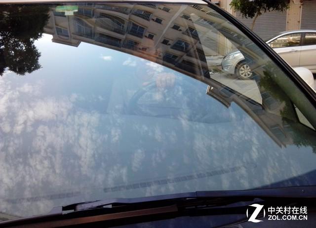 汽车前挡风玻璃贴膜 提高您的行车安全