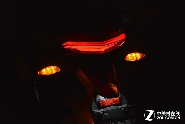 """电动车上""""最没用""""的功能非转向灯莫属"""