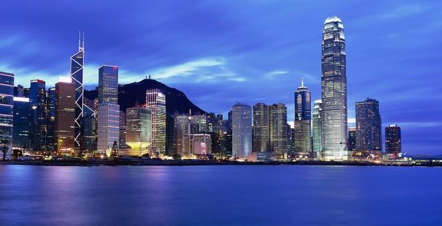 来约,多彩电竞外设新品亮相香港秋季电子展