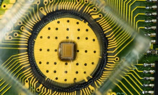 IBM公布3Bit PCM存储芯片 1000万次寿命