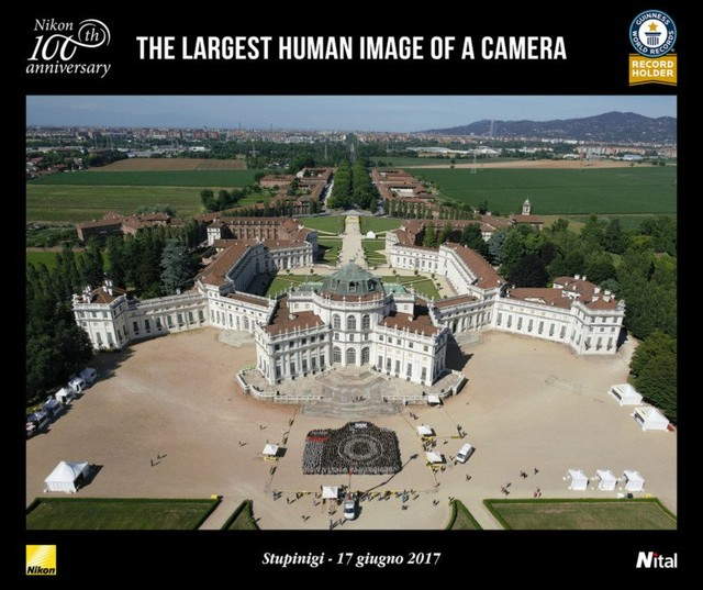 尼康组最大真人相机图案破世界纪录