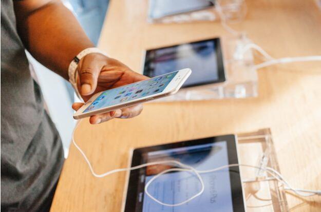 iPhone 组装延误,3D 感测明年才会有