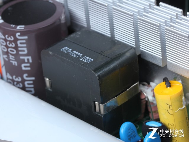 高品质铸造性能 金河田Z监制电源深解读