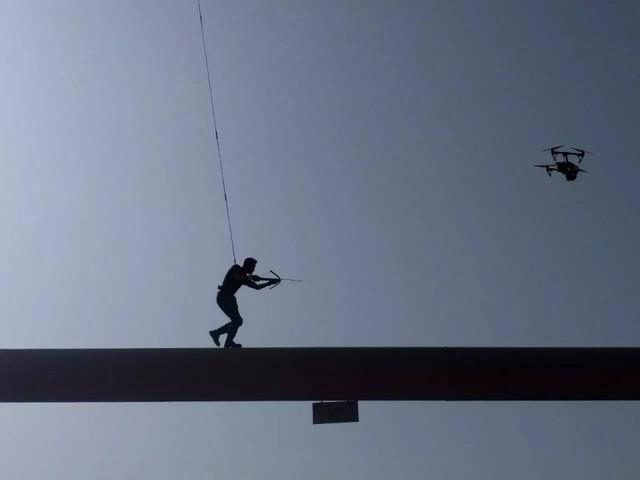 《战狼2》航拍镜头:国产无人机首次上阵