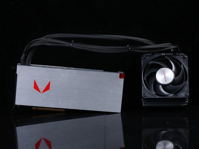 迟来的旗舰之星 Radeon RX Vega双卡首测
