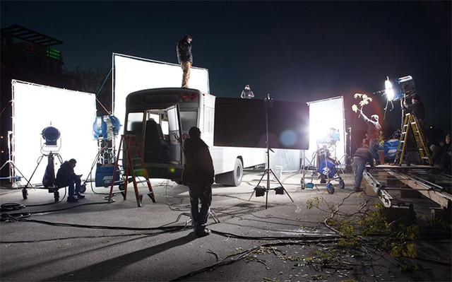 拍电影靠打光,行车记录仪靠感光?图片
