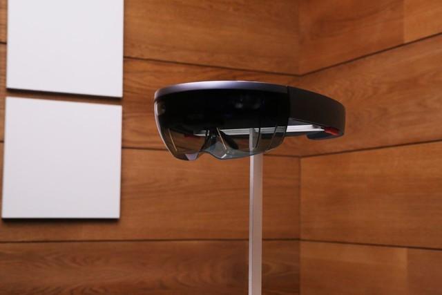 Intel将停产微软HoloLens专用Atom处理器