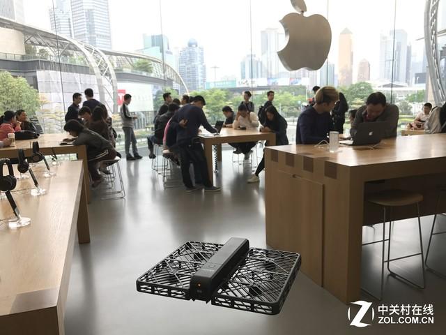 小黑侠无人机装进驻苹果店独家销售